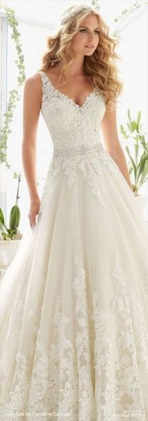 wedding photo - What Style Wedding Dress Is For You