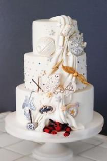 wedding photo - Which Wedding Cake Are You?