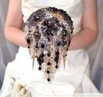wedding photo - Black Brooch Bouquet Gold Wedding Jewelry Bridal Bouquet Wedding Dress Crystal Bouquet Cascading Bouquet Wedding Gift Rhinestone Bouquet