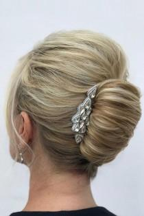 wedding photo - 30 Perfect Wedding Hairstyles For Medium Hair