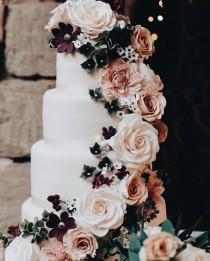 wedding photo - Rose Cake