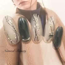 wedding photo - 冬/ブライダル/お正月/成人式/ハンド - Naturalbeautyのネイルデザイン[No.2757205]|ネイルブック