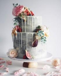 wedding photo - 15 Wedding Cakes That WOW