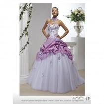 Wedding ideas weddbook for Magasins de robe de mariage milwaukee