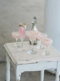 wedding photo - 12 Fun Ideas For A Colorful Cocktail Hour