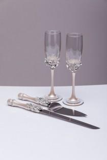 wedding photo - Wedding SILVER glasses and Cake Server Set cake knife silver bride and groom wedding toasting flutes Champagne flutes server set, set of 4