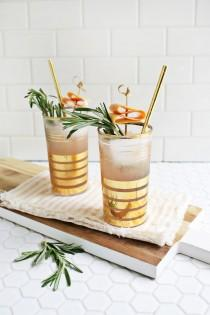 wedding photo - 25 Refreshing Cocktails To Cool Off With This Summer (The Edit)