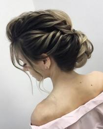wedding photo - 87 Fabulous Wedding Hairstyles For Every Wedding Dress Neckline