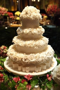 wedding photo - Glamorous Wedding Cakes