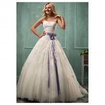 wedding photo - Elegant Tulle Strapless Neckline Basque Waistline Ball Gown Wedding Dress With Lace Appliques - overpinks.com