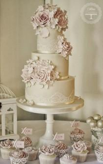 wedding photo - Cake Flowers