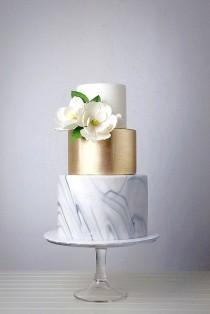 wedding photo - 30  Beautiful Gold Wedding Cake Inspirations For Amazing Party