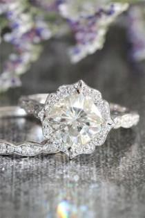 wedding photo - 3 Engagement Rings Styles You Need To Know About Now