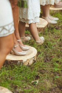 "wedding photo - 10 ""Outside The Box"" Ideas For Your Outdoor Wedding"