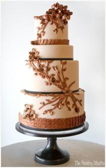 wedding photo - Jaw-Droppingly Beautiful Wedding Cake Inspiration