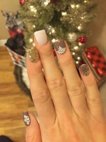 wedding photo - 45 Simple Festive Christmas Acrylic Nail Designs For Winter