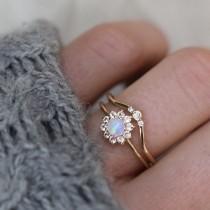 wedding photo - 14kt Gold Opal And Sapphire Fleur De Coeur Ring