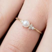 wedding photo - Pearl And Diamond Ring