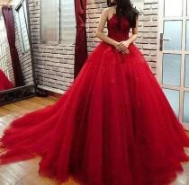 wedding photo - 2018 Dark Red Quinceanera Dresses With Halter Neckline Puffy Tulle Lace Vestidos De Quinceañera Sweet 16 Dress