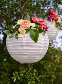 wedding photo - DIY Flower Paper Lanterns Tutorial
