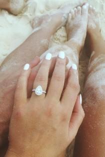 wedding photo - Ideas How To Show Off Your Gorgeous Engagement Rings