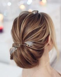 wedding photo - Pretty Low Chignon Hairstyle For Long Hair