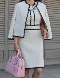wedding photo - Scallop Tweed Dress, Polka Dots And Pop Of Pink