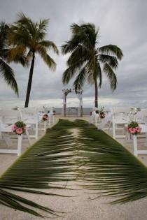 wedding photo - Nice 42 Beach Wedding Aisle Ideas Inspiration. More At Https://trendfashioner.com/2018/05/12/42-beach-wedding-aisle-ideas-inspiration/