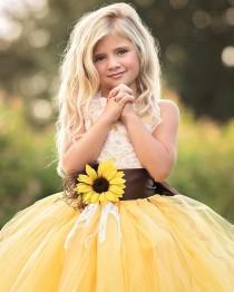 wedding photo - GORGEOUS Sunflower Dress For The #flowergirl   Dress By @baby2bnashville #wcvendor #weddingchicksvendor • • • Photo By @photographybyheathernemec #…