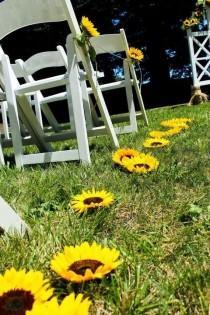 wedding photo - 90 Cheerful And Bright Sunflower Wedding Ideas