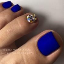 wedding photo - 21 Amazing Toe Nail Colors To Choose This Season