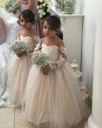 wedding photo - The Best 10 Flower Girl Dresses Shops We Love On Etsy