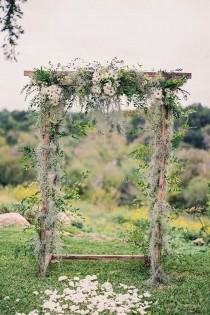 wedding photo - 34 Enchanting Woodland Wedding Ideas That Inspire - Page 3 Of 4