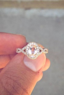 wedding photo - 25 Gorgeous Engagement Rings To Get You Inspired: A Vintage-inspired Oval Engagement Ring Of Rose Gold With A Colored Diamond Looks Wow #engagement…