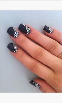 wedding photo - 30  Adorable Polka Dots Nail Designs