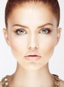 wedding photo - Natural Bronzed Makeup  Creates A Beautiful Glow On Your Face. Try Slicked Back Hair Or Beautiful Beachy Waves