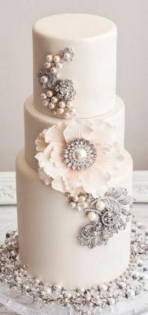 wedding photo - Bling Inspired Cake