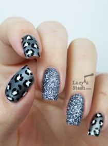 wedding photo - Gray Leopard Print Nail Art