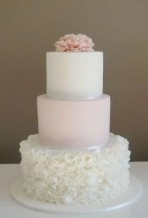 wedding photo - 60 Elegant Wedding Cake Ideas 32