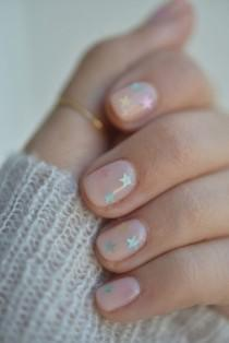 wedding photo - How To Do The Prettiest (Yet Subtle!) Nail Art At Home (Cupcakes And Cashmere)