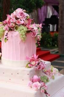 """wedding photo - Like The Rawness Of The Top Layer And The """"not So Perfect"""" Appearance Of The Middle Layer....very Real And Natural-ish"""