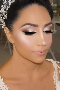 wedding photo - 36 Bright Wedding Makeup Ideas For Brunettes