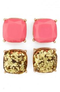 wedding photo - Shiny Faceted Stones In Pink And Gold Glitter Give Any Look A Touch Of Glow In A Classic Four-prong Setting.