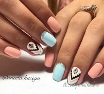 wedding photo - Chevron & Pastel Nails