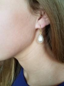 wedding photo - Pearl teardrop earrings Pearl earrings dangle Pearl earrings Pearl drop earrings Pearl bridesmaid earrings Pearl earrings wedding Gift