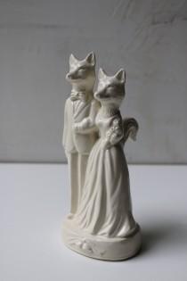 wedding photo - Fox Couple Wedding Cake Topper