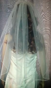 "wedding photo - Ivory 30"" wedding veil with scattered Swarovski Crystals 1 Tier. FREE UK POSTAGE"