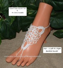 wedding photo - NOTEWORTHY Beach Wedding Barefoot Sandals Foot Jewelry in White with Pearl Beads