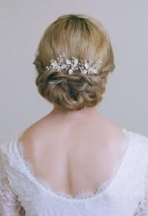 wedding photo - Bridal hair pin, Leaf hair pin, Gold hair pin, Gold or Silver hair vine, Gold bridal headpiece, Bridesmaid hair pins
