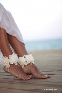 wedding photo - Flowers tangled on chain barefoot sandal, beach wedding barefoot sandals, bangle, wedding anklet,nude shoes,ankle cuff